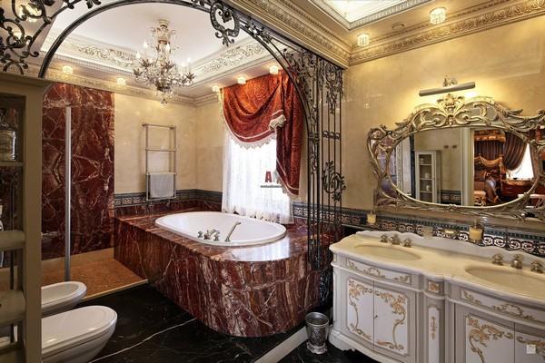 Элитная люстра в ванной